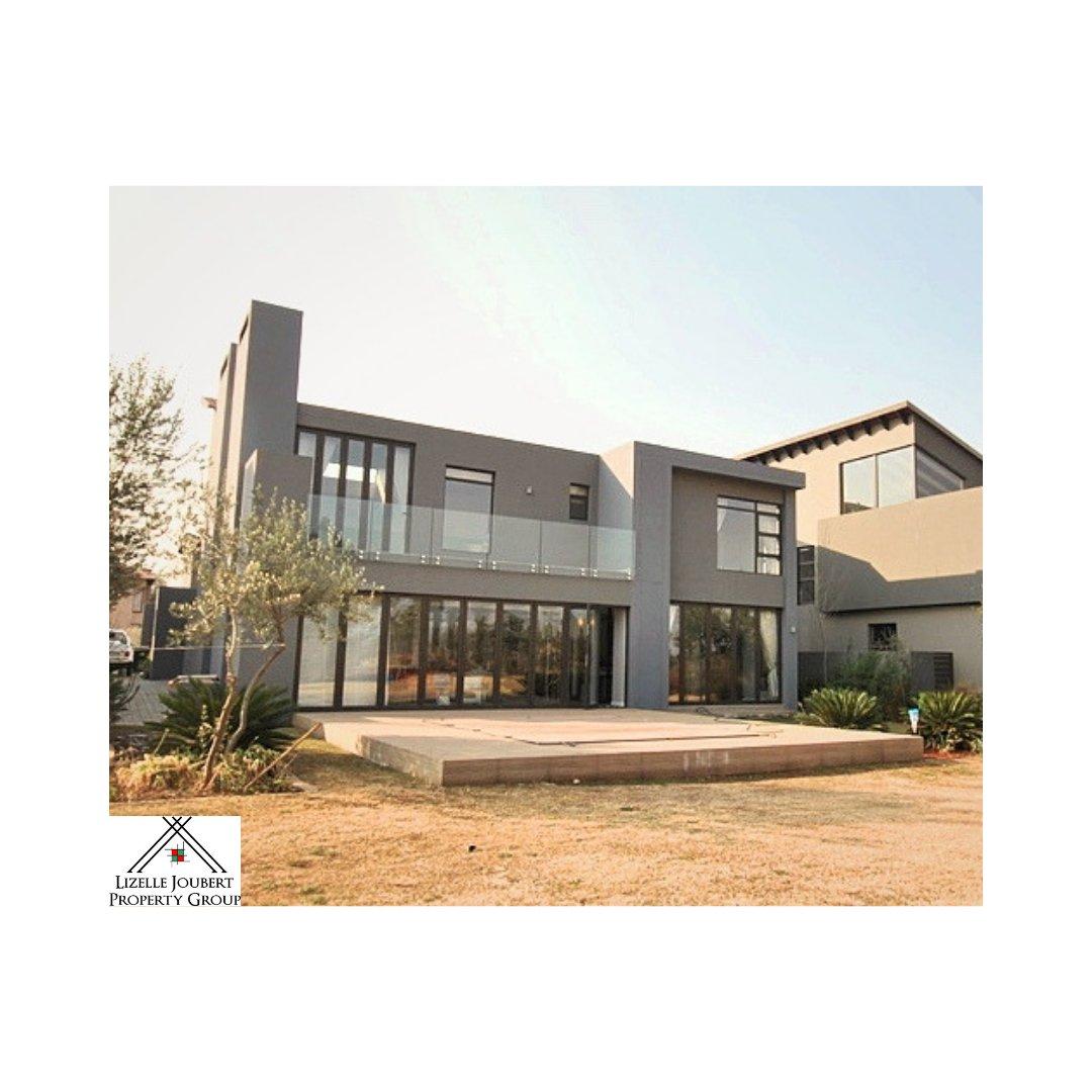 AADI221 – Duplex – SW 5 Vanderbijlpark – R 4820000