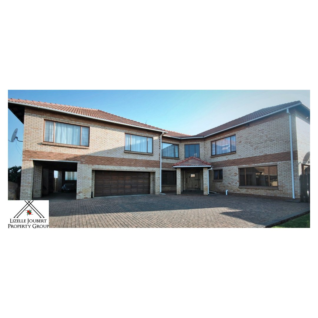 AADI223 – Duplex – SE 8 Vanderbijlpark – R 299 9999