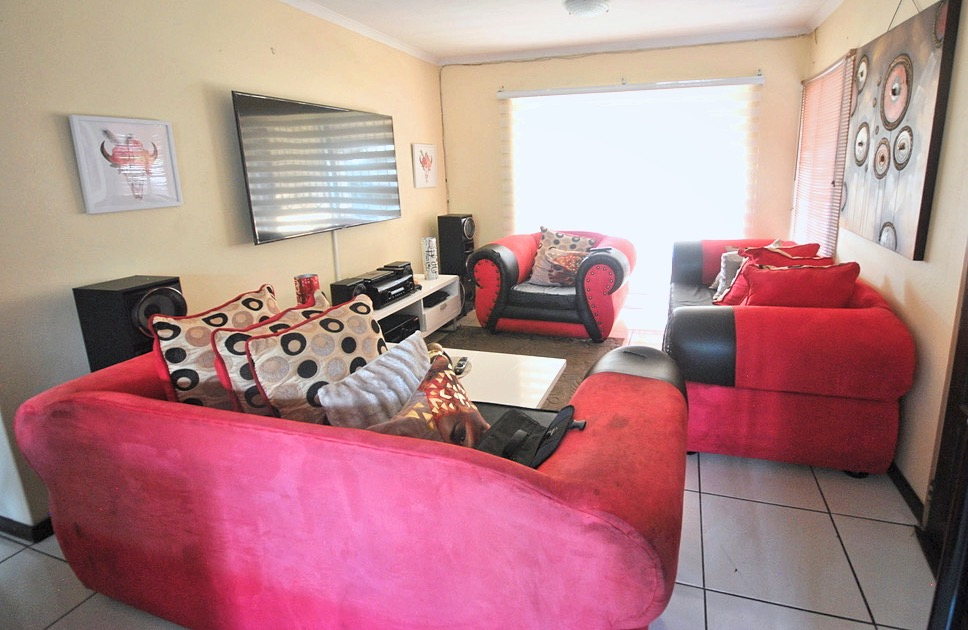 Townhouse for sale – Sylviavale, Vanderbijlpark